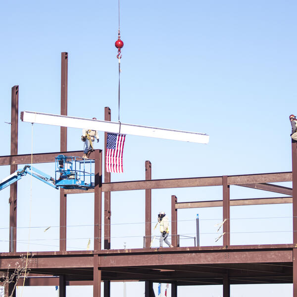 topping out, new building