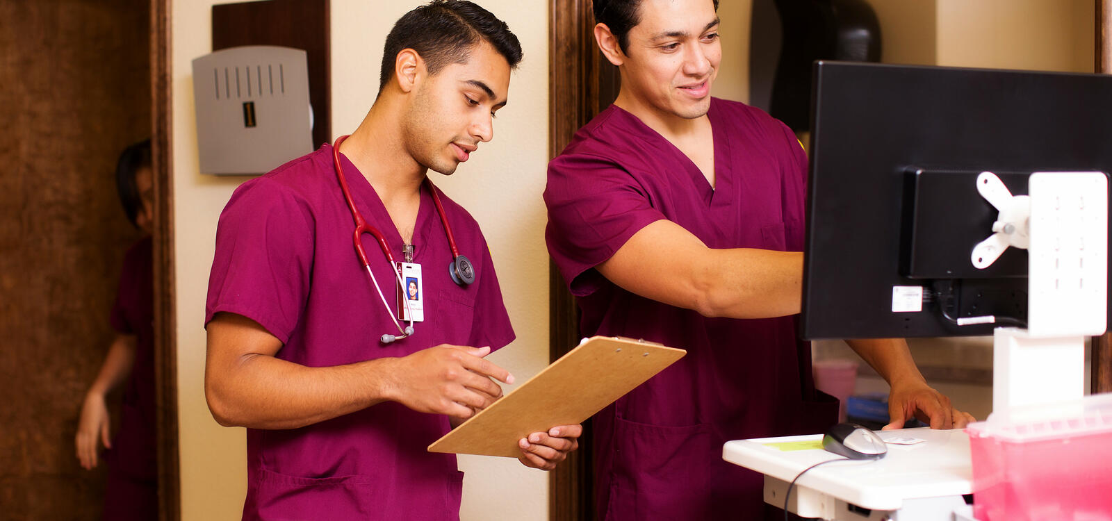 doctors vs nurses essays Rights vs responsibilities: professional standards and provider  the health care industry—from doctors, nurses and pharmacists to the  neonatal nurses,.